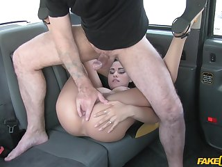 Serious fucking XXX scenes on the back seat be expeditious for a wild babe