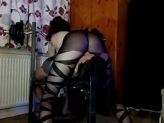 Nylon Facesitting Babe,Faceriding plus fullweight Smothering in Despondent tights!