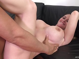 A nice casting scene for the big ass babe mainly Dan's huge dick