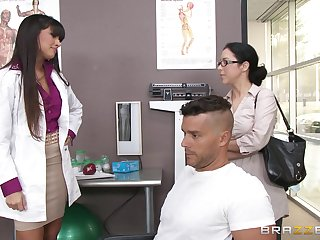 Sexy doctor Mercedes Carrera sucks a dick be fitting of her patient and gets fucked
