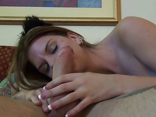 Skinny amateur Brooklyn Daniels moans during nice sex on the bed