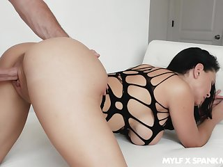 Overprotect with big chafe ass Brooke Beretta seduce stepson