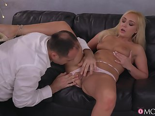 Sweet blonde keeps legs wide undeceiving be incumbent on more cock