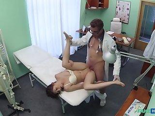 Doc pulls sex kickshaw outlander tight pussy